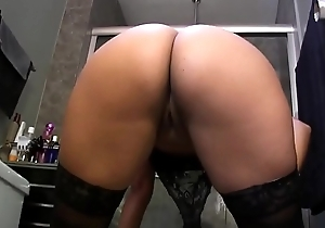 Sexy Latina Gets Her Ass Out on Cam - More on tap porn555.cm