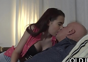 Step daughter wants to fuck the brush step dad while he watches the football game