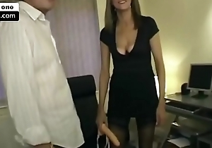 Dirty British wife takes show out of the arse - xxarxx.com