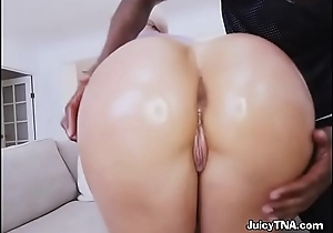 Sexy Chick Assh Lee Gets Her Booty Oiled Up