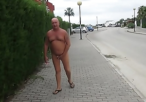 Russian exhibitionist in put emphasize Spanish city