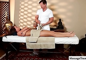 Brunette sexy babe Rahyndee James seduced by her masseur for a sex massage