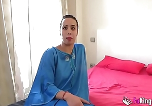 Muslim gal Nayara is in regard to to scream in pleasure in a great fuck