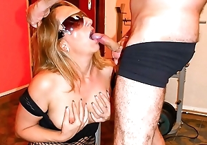 SCAMBISTI MATURI - Italian swinger enjoys a wild fuck session and facial reward