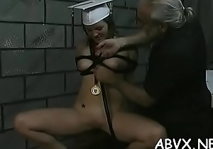 Rough drubbing and harsh thraldom on woman'_s pussy