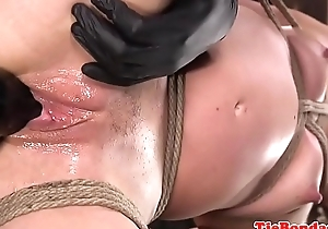Smalltits sub babe gets her pussy fingered
