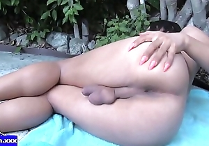 Solo tranny jerking huge dong in closeup