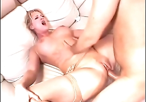 Licking the light-complexioned milf'_s pussy unaffected by the couch